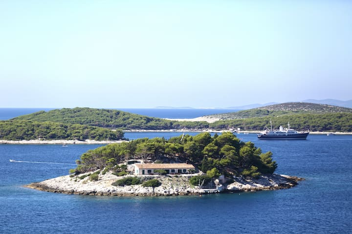 Room Loris with sea view - Hvar