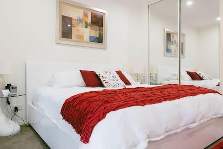 Studio 18  Premium Studio Apartment - North Adelaide - Apartment