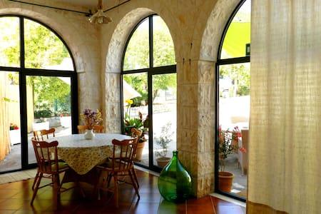 Villa Lucia: trullo, casa e pineta - Selva - Villa
