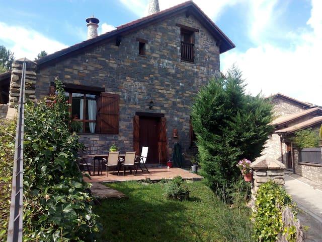 Casa con chimenea para esquí - Villanovilla