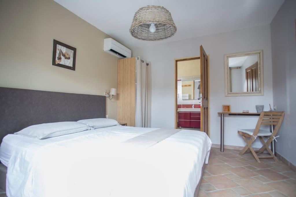 B b entre avignon et st r my pool chambres d 39 h tes for Avignon chambre d hotes
