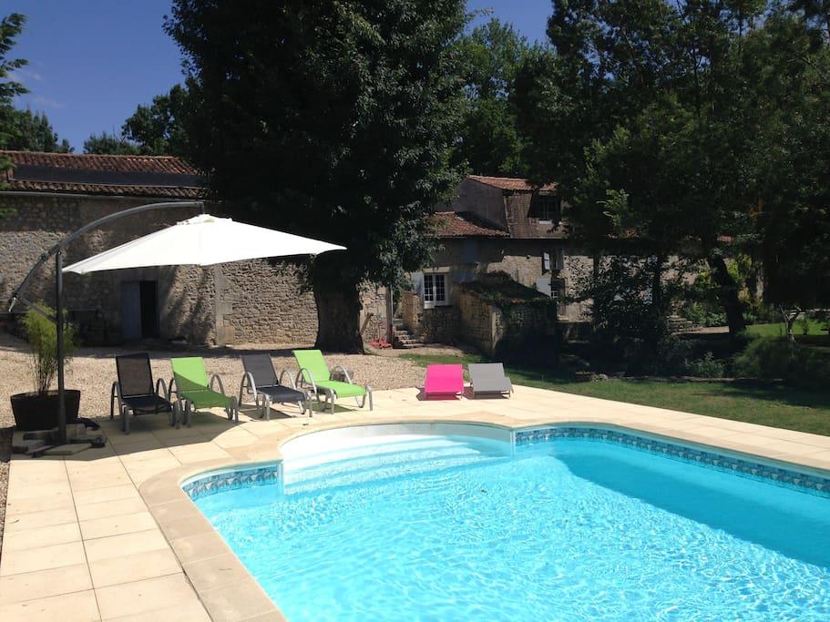 Moulin de la furne casas en alquiler en boutiers saint for Piscine bois 4x8