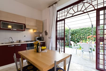 IBIS -relax&sea for family Taormina Etna District
