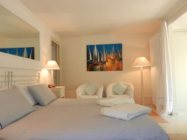 Bedroom with large king size bed