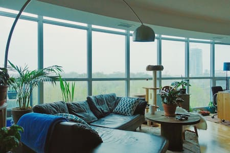 Cozy guest room in DTToronto condo - Toronto - Apartment