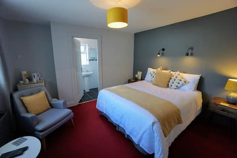 Room 2 - The Willows Guesthouse