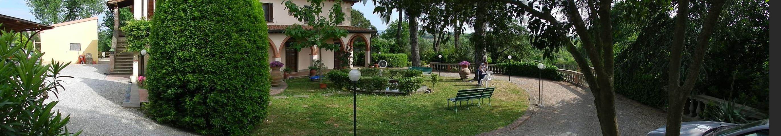 Villa Calabrò con parco e piscina - Lari - Wohnung