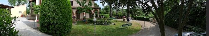 Villa Calabrò con parco e piscina