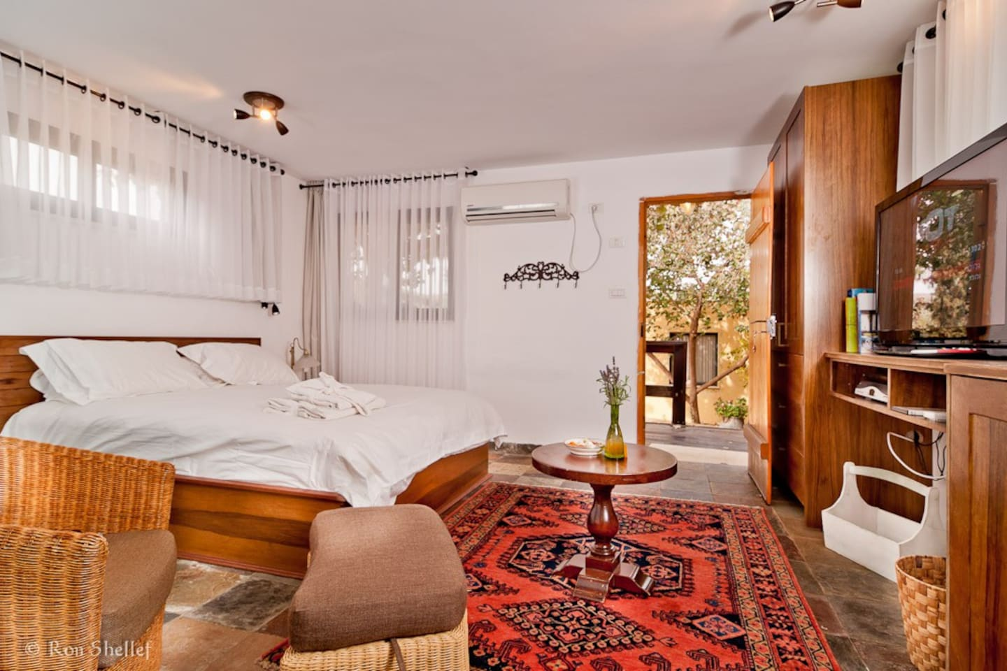 Comfortable beds - luxurious room