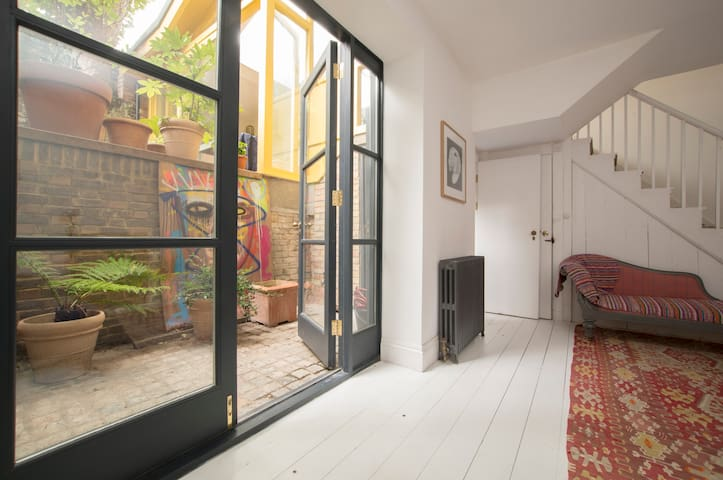 Design flat in heart of Dalston - London