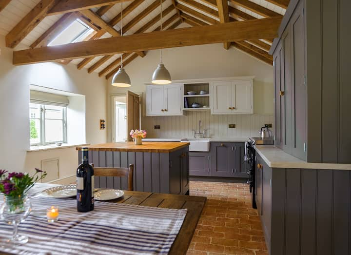 Pea Cottage - Romantic Retreat near Stamford