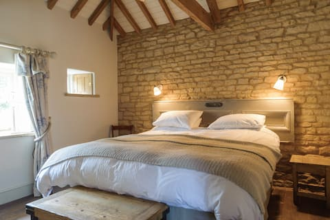 Pea Cottage - A Romantic Retreat ... with Extras