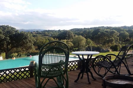 B&b with pool. Sea and countryside - Telti