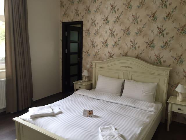 Luxury Room Pensiunea 1 Mai - Орадя
