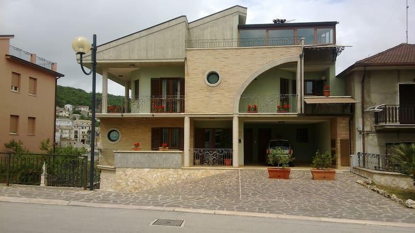 Appartamento nel cuore del Paese - Tornareccio - Apartament