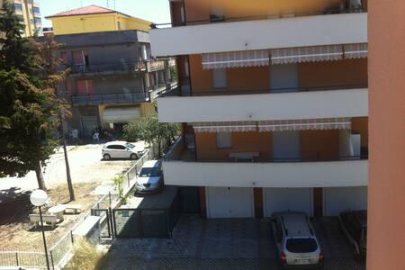 Piccolo appartamento sul mare - Montesilvano - Apartmen