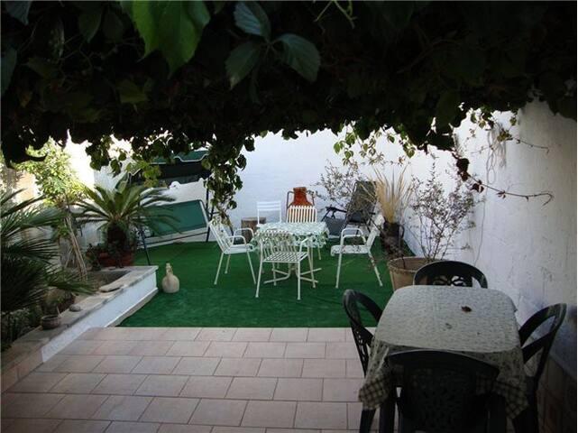 Independent house with garden - Manduria - Ev