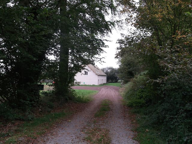FERME DE VILLIERS - RELAIS EQUESTRE - Saint-Ouen-le-Brisoult
