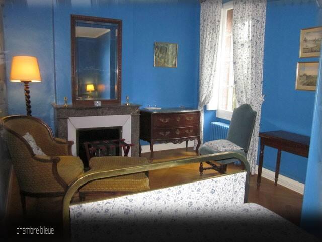 Château massal chambre bleue