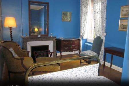 Château massal chambre bleue - Bez (-et-Esparon)