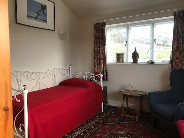 Cosy country bedsit, private workspace with views