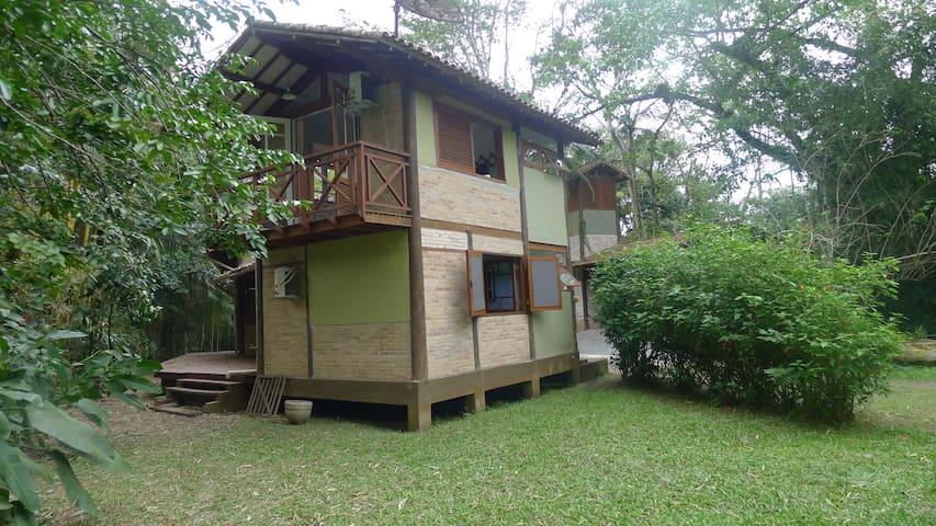 Casa 700 mts da praia do Camburi - São Sebastião - Dom
