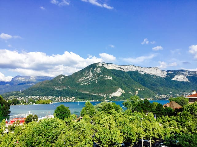 Flat in front the lac with nice wiew - Annecy - Apartment