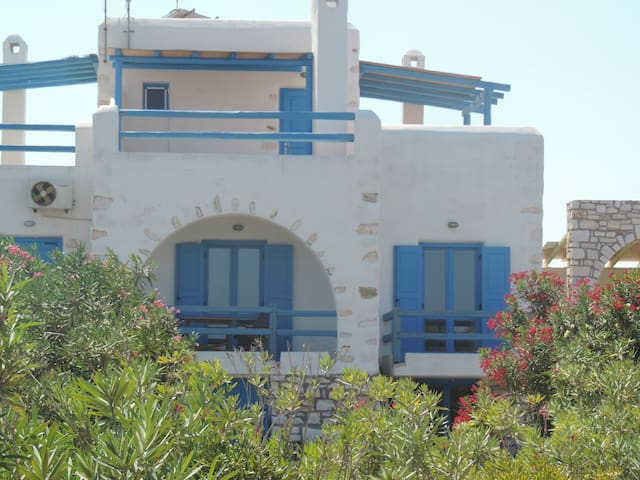 Archipelagos villas-Villa Delos close to the sea