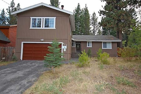 Pet Friendly - Quiet Home in Woods - South Lake Tahoe - Casa