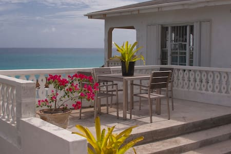 Stunning Oceanfront 2 bedroom home - Maison