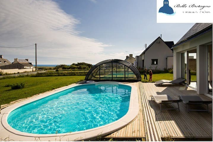Sea views, indoor heated pool - Plovan