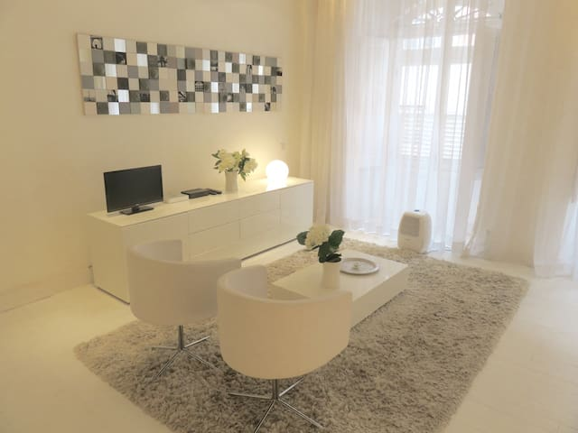 Principe Real Stylish Studio Apartment