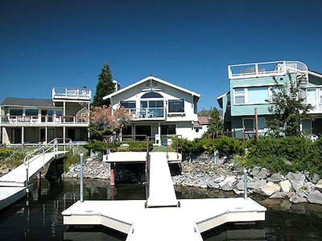 Waterfront Home for 8 with Dock - Eteläinen Lake Tahoe - Talo