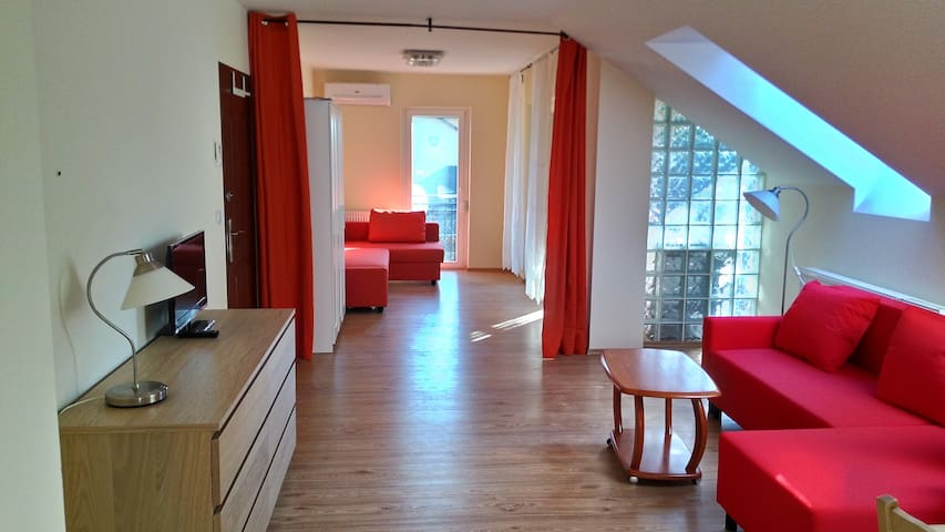 Moma apartment quiet&privateparking - Budapest - Apartmen