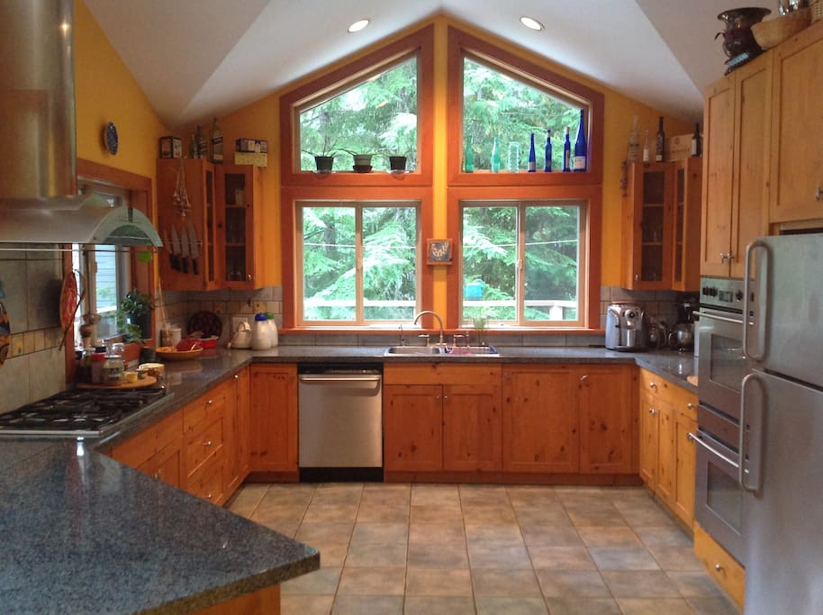 Gourmet kitchen to hone your cooking skills in.