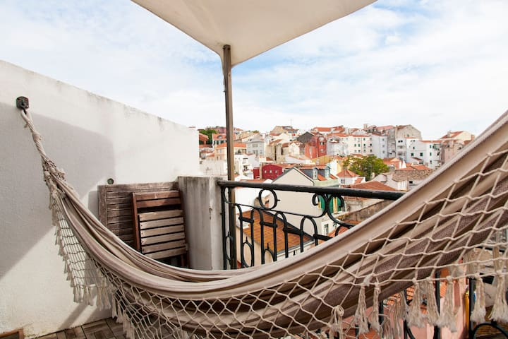 Superb balcony over old Lisbon - Lisbon - Apartment