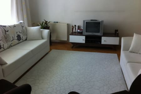 Room near to Kızılay Oda merkezde - Byt