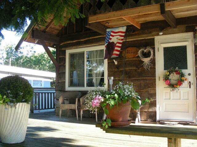 Cedarwood Cottage