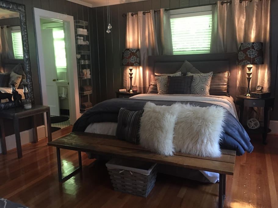 Guest room #2 with Queen size bed and reading area