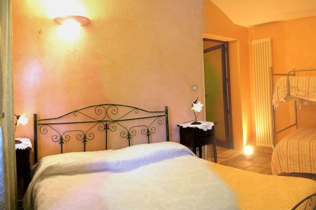 Apartment GLI ULIVI - bedroom -