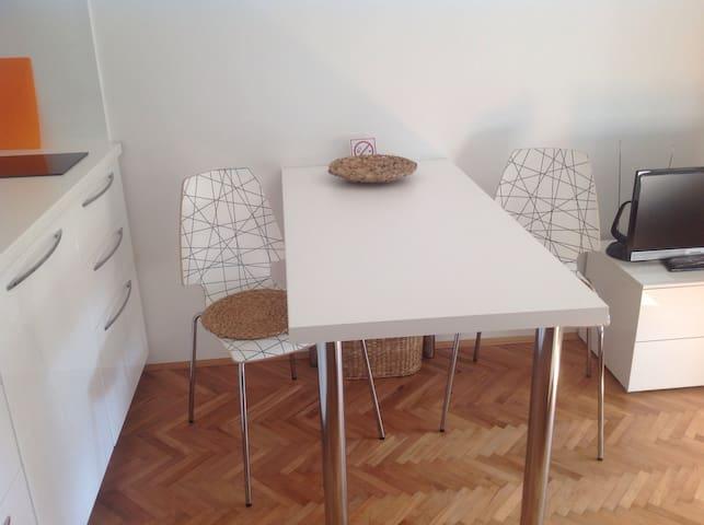 Studio Rijeka, im Stadtteil Krimeja - Rijeka - Departamento