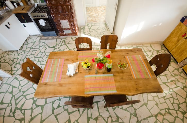Youthink hostel 8 bed room - Cluj-Napoca - Bed & Breakfast