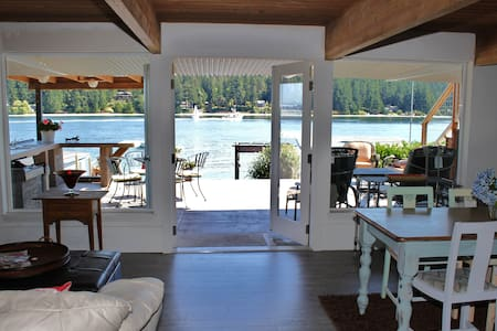 Waterfront 2 bdrm apt on Agate Pass - Apartment