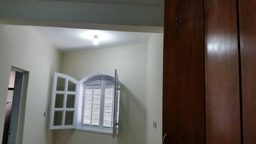 Quarto C Inteiro - Grande - Mariana - Dormitorio compartido