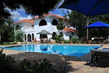 White Cliff Villa/luxury beach life