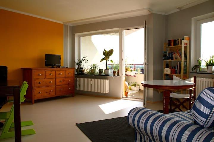 Familienfreundlich, Blick ü Berlin - Berliini - Huoneisto