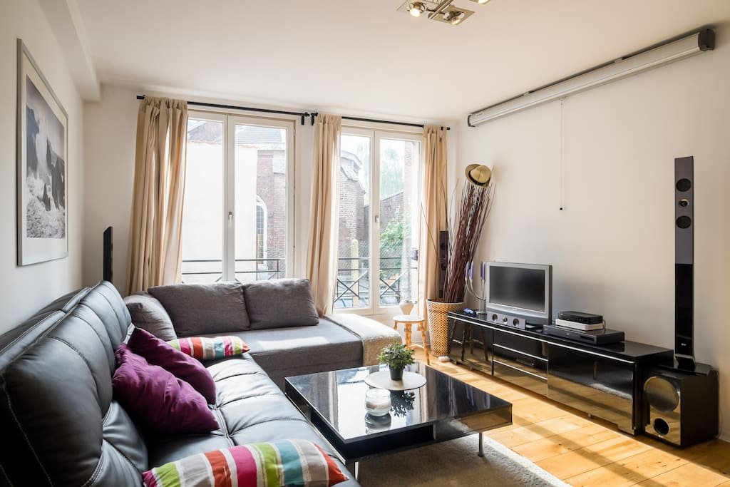 vieux lille appartement 1 chambre au calme apartments for rent in lille nord pas de calais. Black Bedroom Furniture Sets. Home Design Ideas