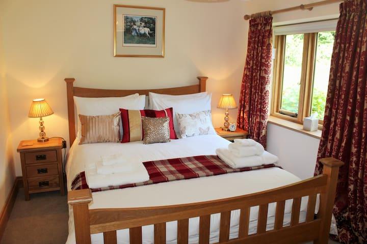 Poet's Cottage, Steep - Rural Location - Sleeps 6