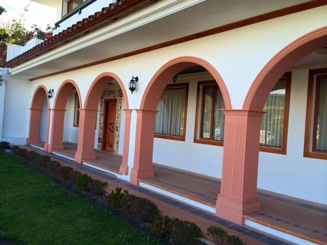 La Casa del Vikingo - Amaguaña - Casa
