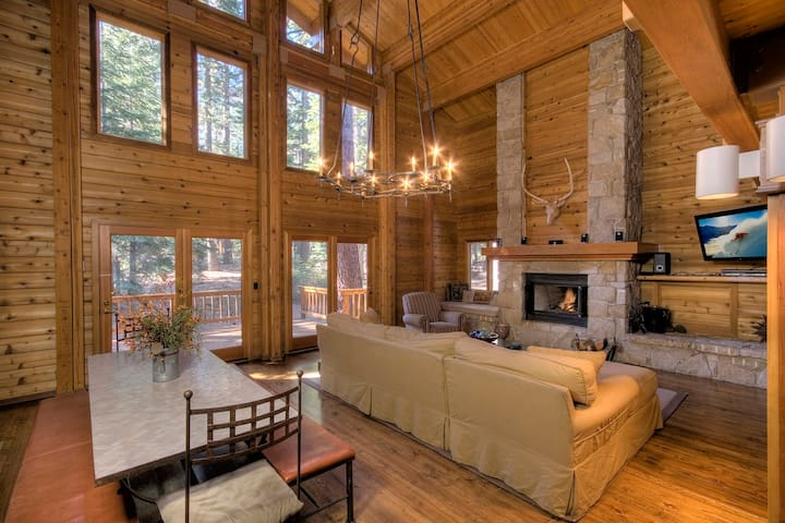 North Lake Tahoe *Backs to Forest - Carnelian Bay - Casa